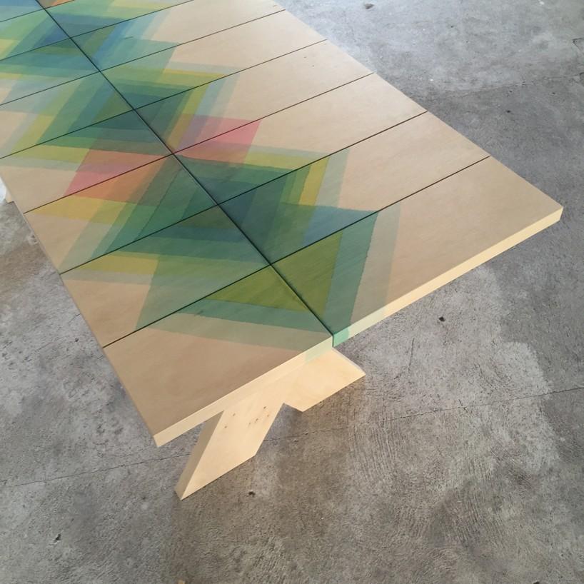 רהיט מקולקציית Herringbone של Raw Edges