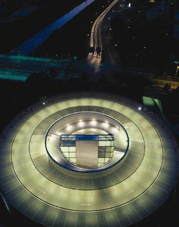 משרדי Burda באופנבורג, גרמניה (צילום: Ingenhoven architecht )