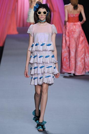 קולקציית אביב-קיץ 2012 של ויקטור ורולף. ''רק כשנסענו לשבוע האופנה בפריז, שולמו עלינו כל ההוצאות'', מספרת קרין לייקוביץ' (צילום: gettyimages )
