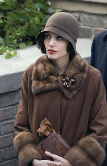 אנג'לינה ג'ולי בסרט ''ההחלפה''. השראה מרכזית לדגם לורל (צילום: alamy / asap creative)