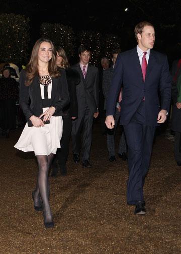 השילוב המושלם: שמלה ובלייזר (צילום: gettyimages)