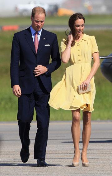 שמלה מתנופפת, גרסת ארמון המלוכה. בשמלה צהובה של ג'ני פקהאם (צילום: gettyimages)