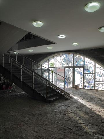 אולם הכניסה של ''אוהל קדושים'' (צילום: אמית הרמן)