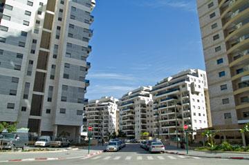 אחד הרחובות. קשה למצוא חניה (צילום: יניב ברמן)