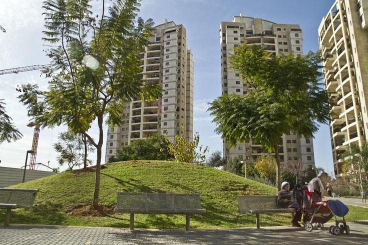 הפארק המרכזי של השכונה נמצא בשוליה ומשתרע על פני 22 דונם (צילום: יניב ברמן)