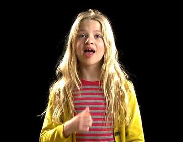 אנאיס גלאגר, בתו של נואל גלאגר, בקמפיין של פול סמית