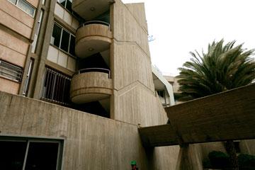מעונות הסטודנטים. בטון, בטון, בטון (צילום: רועי אבנטוב)