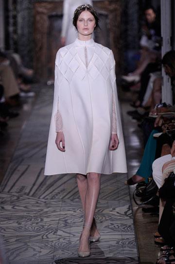 עשירות? תתלבשו בהתאם: תצוגת ההוט קוטור של ולנטינו (צילום: gettyimages)