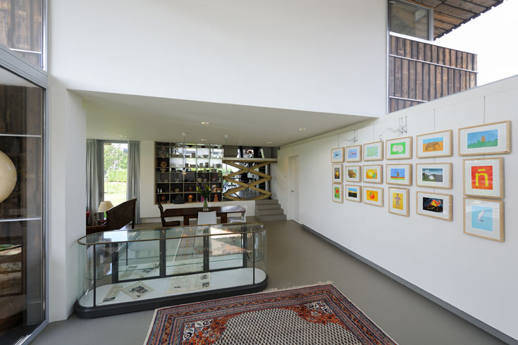 לאוסף האמנות המרשים ביקשו לתכנן חללים בעלי קירות רחבים ותאורה מספקת (צילום: Allard van der Hoek - Architektuurfotografie )