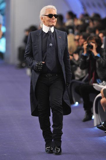 קרל לגרפלד. הקברניט הראשי של תעשיית האופנה (צילום: gettyimages)