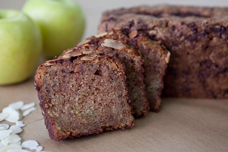 עוגת תפוחים בחושה (צילום: שירן כרמל)