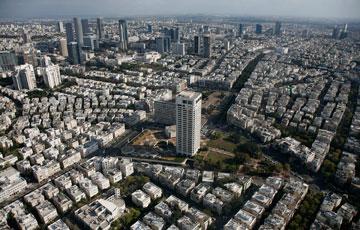 גן העיר (במרכז). אבן גבירול ישנה את פניו (צילום: צילום אוויר lowshot.com)