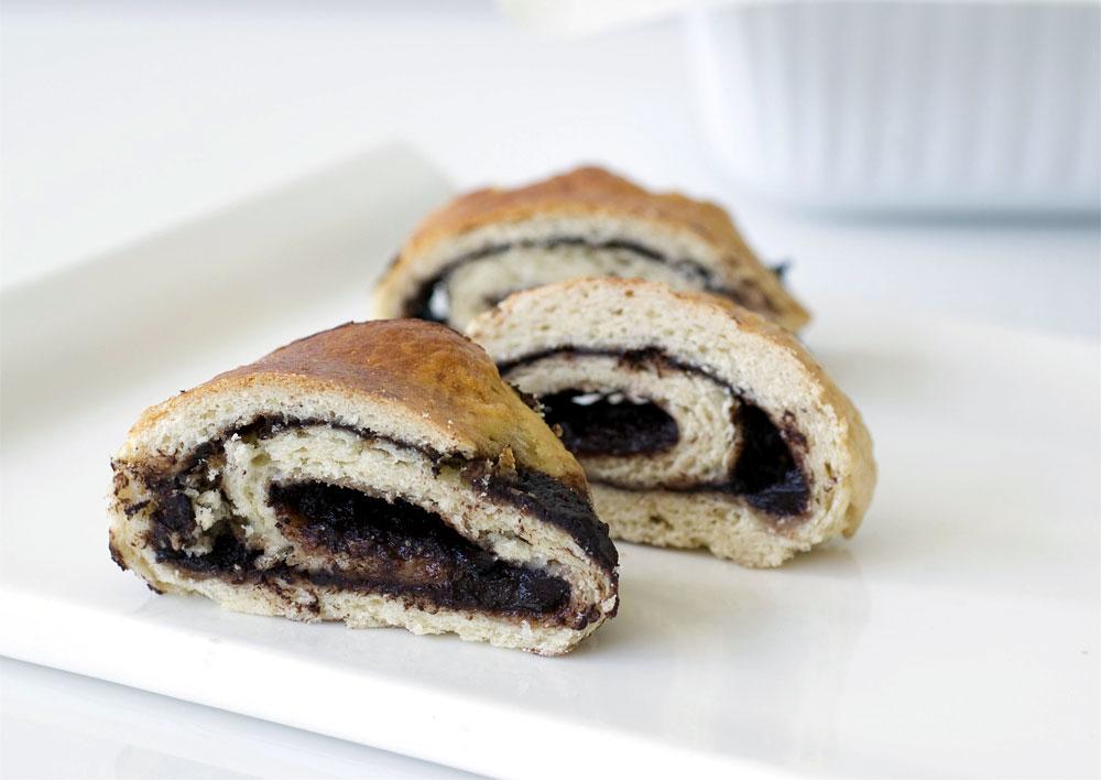 140 קלוריות לפרוסה. עוגת שמרים עם גבינה וקקאו (צילום: עילית אזולאי, סגנון: איתמר אדלר)