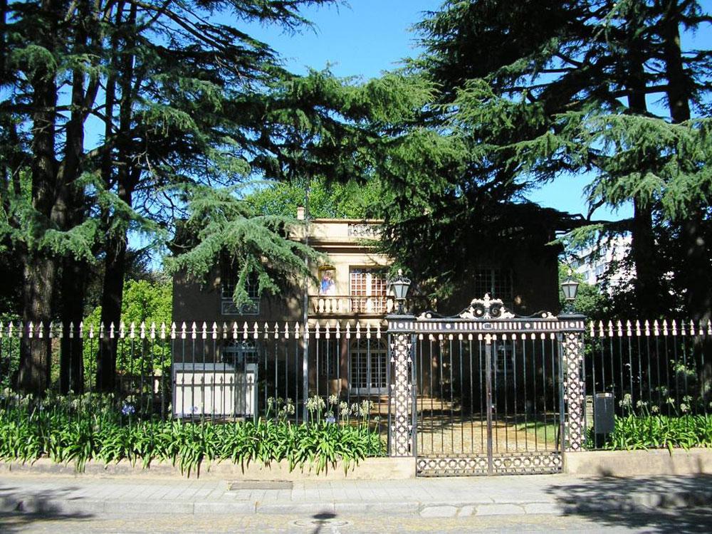 Casa das Artes, משכן האמנות של פורטו, הוא תרומה נוספת של האדריכל לעירו. ''דיאלוג מעמיק וייחודי עם עולם הטבע בר-הקיימא'', הגדירה ועדת פרס פריצקר את טביעת האצבע שלו (צילום: cc,Manuel de Sousa)