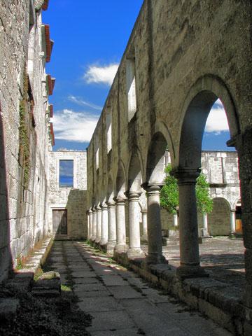 שימור מנזר סנטה מריה דו בואורו (צילום: cc,Nittygritty)
