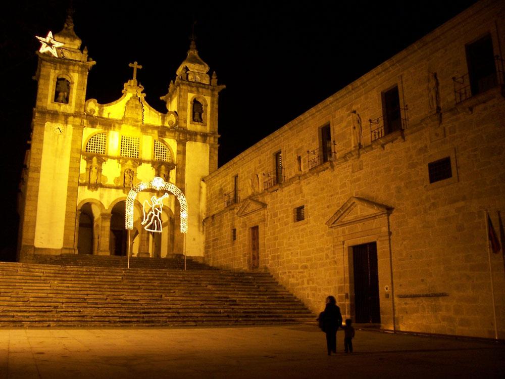 מנזר סנטה מריה דו בואורו, שאותו שימר וחידש האדריכל הפורטוגלי בעבודה שנמשכה שמונה שנים. המבנה הוסב לבית הארחה (צילום: cc,Elisete Reis)