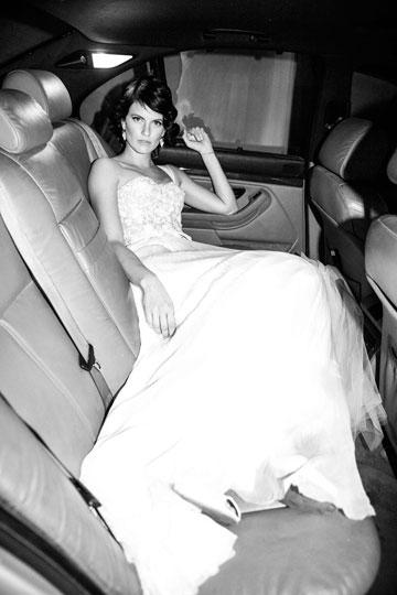 עדי נוימן מתחתנת בצילום של רון קדמי. ''תעשיית האופנה נפגעה בשנים האחרונות. כבר לא עושים כאן הפקות ענק של שבוע בקובה או בזנזיבר'', אומר קדמי (צילום: רון קדמי)