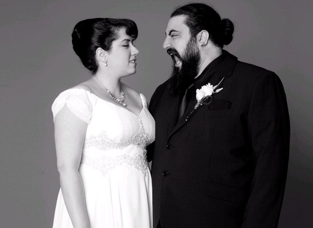 חתונה אופנתית. המקעקע אבי נשיא ובת זוגו בצילום של דודי חסון (צילום: דודי חסון)