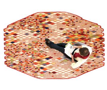 שטיח של האחים בורולק ב-23,650 במקום 39,423 שקלים. ''טולמנ'ס'' (צילום: נאני מרקינה, באדיבות רשת טולמנס)