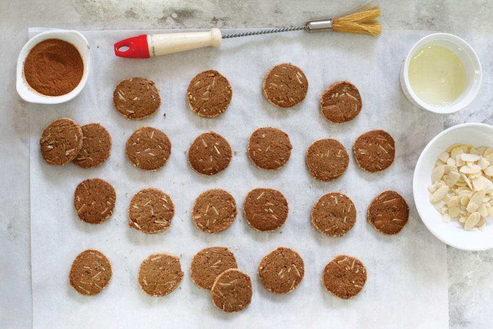 עוגיות ג'ינג'ר מתובלות (צילום: אפיק גבאי)