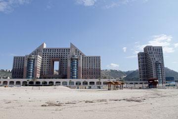 לחיפה יש סיבות לדאגה. מגדלי חוף הכרמל הן רק דוגמה אחת (צילום: חגי פריד)