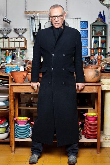 יובל כספין. ''אני לא אדם שחי מטרנדים, וחלק גדול מהבגדים שאני לובש מלווים אותי שנים רבות'' (צילום: ענבל מרמרי)