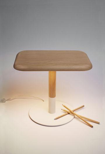 ''וודי'' - פלדה לבנה, עץ ולד, של חברת GOODBYE EDISON (Courtesy of Goodbye Edison)