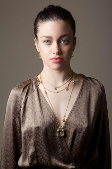 הקמפיין הקודם של מעצבת התכשיטים טובי פרבר, עם הרקדנית אייר אלעזרא (צילום: ינאי יחיאל)