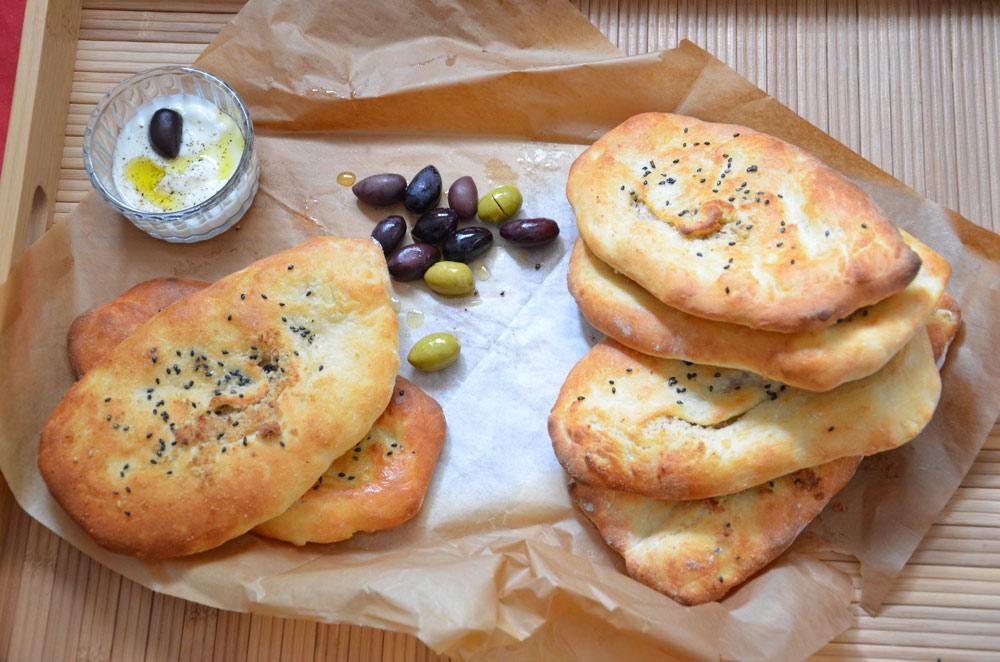 נאן: לחם הודי מהיר ב-4 דקות אפייה (צילום: חני הראל)