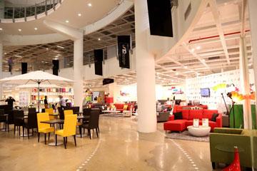 ''home design'' בנתניה. החנויות חולקות מרחב פתוח ונטול דלתות (צילום: סיון פרג', באדיבות Home Design)