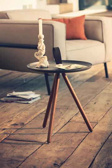 הפריט הזול ביותר: שולחן מגש ב-2,085 שקל (באדיבות רולף בנץ)