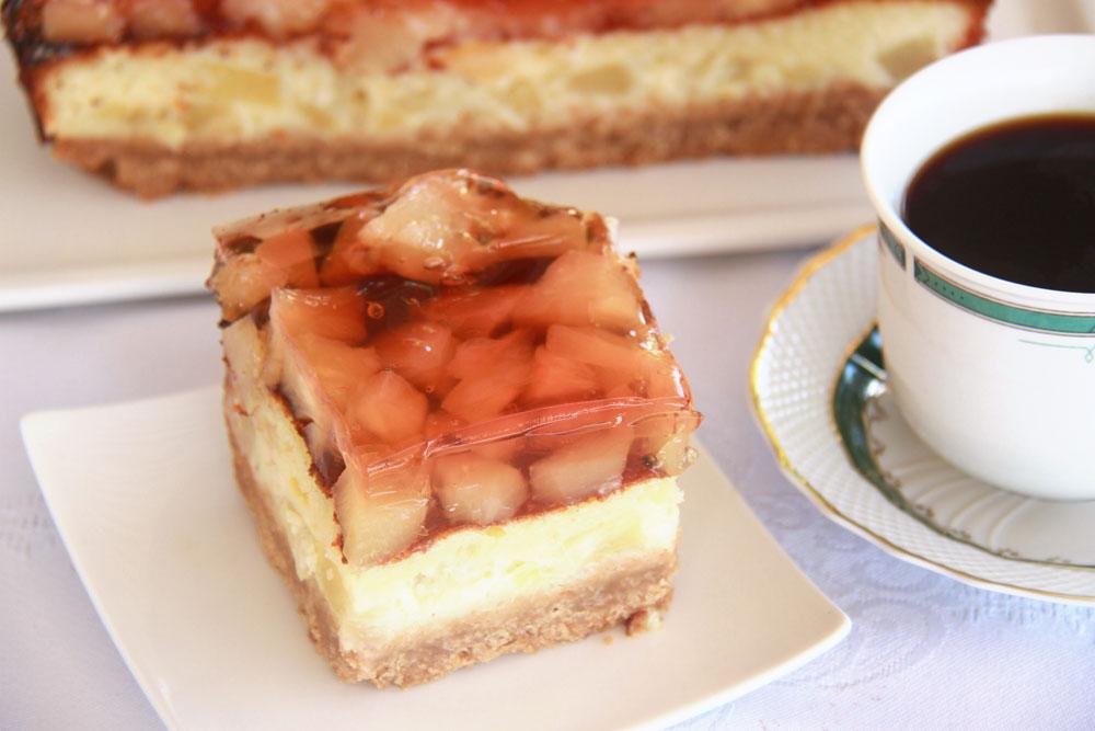 עוגת אננס עם ג'לי (צילום: אסנת לסטר)