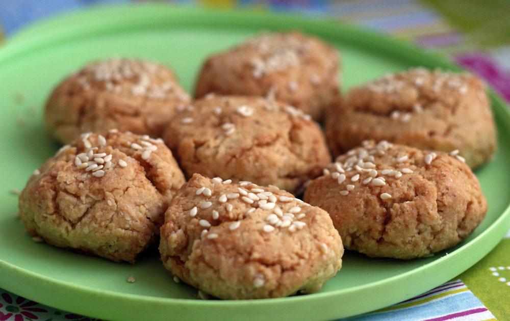 עוגיות שקדים בריאות במתיקות מעודנת (צילום: אבירם פלג )