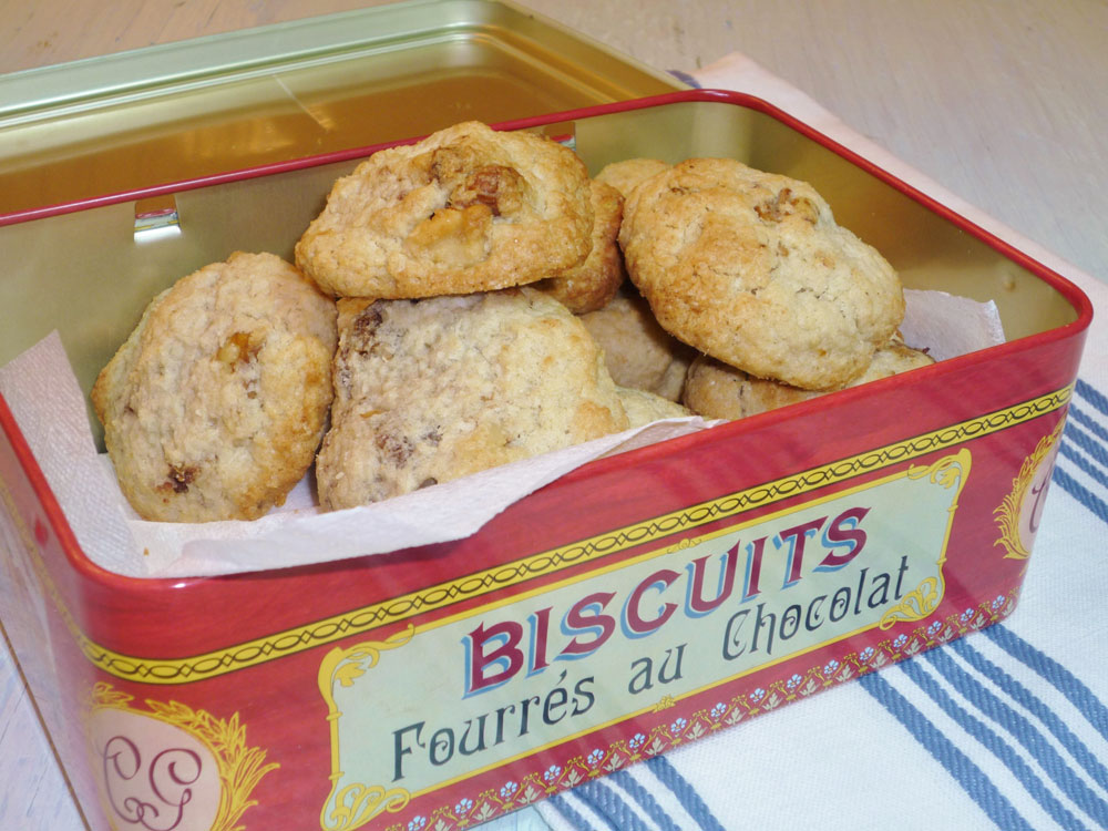"""עוגיות הבוקר שאחרי ט""""ו בשבט (צילום: עינת מזור)"""