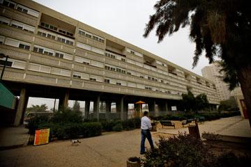 בלוק הרבע-קילומטר בבאר שבע. הבניין הארוך בישראל, בהשראת לה קורבוזיה (צילום: רועי אבנטוב)
