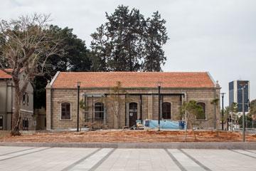 בית העם. קיוו שהוא יהיה מרכז המבקרים, אך הוא יהיה חנות של אדידס (צילום: טל ניסים)