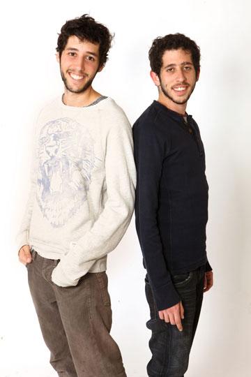 גם נהנים וגם מגייסים כספים. יהונתן ודניאל וינקלר (צילום: אורית פניני)