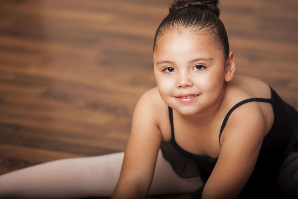 """הפסיכולוגית ד""""ר סוזי קגן: """"אני מטפלת בילדה בת 10, מאוד שמנה, שהחליטה שהיא רוצה לעבור ניתוח לקיצור קיבה. ההורים מסכימים, אבל הרופאים לא, ועכשיו הם מחפשים מנתח באסיה""""  (צילום: thinkstock)"""