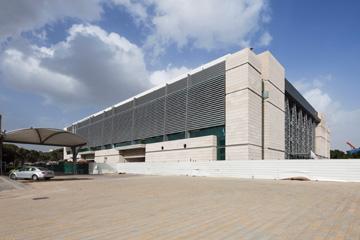 ביתן 2. האדריכלים נבחרו לאחר סיור ב''אירפורט סיטי'' (צילום: אביעד בר נס)