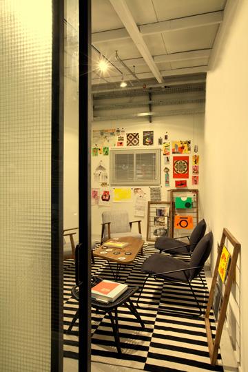 ''חדר המחשבה'', לישיבות לא רשמיות (צילום: בועז לביא ויונתן בלום)