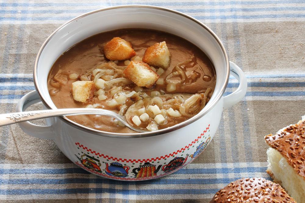 מרק קמח בסגנון בזל (צילום: אסנת לסטר)