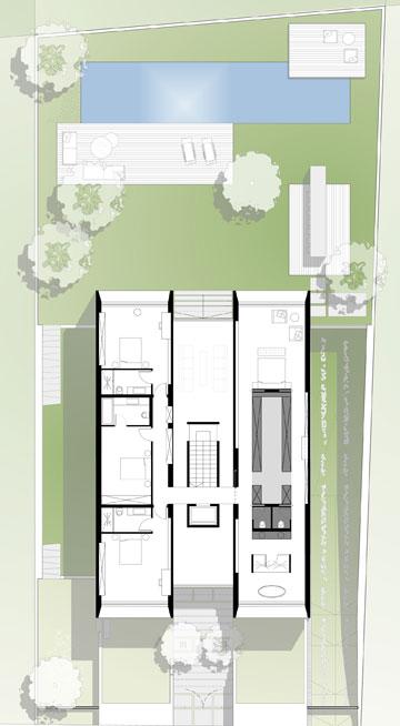 תוכנית הקומה העליונה. מימין אגף ההורים, משמאל שלושה חדרי שינה, והמסדרונות תחומים בקירות העולים מקומת הכניסה