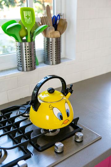 ירוק וצהוב במטבח (צילום: שירן כרמל)