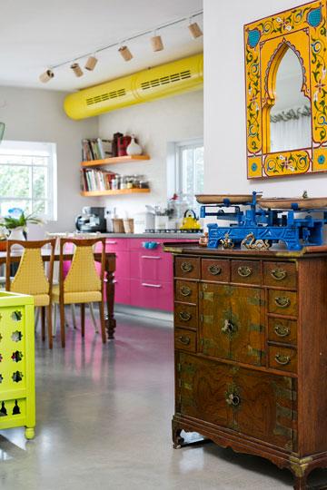מבט מכיוון הכניסה למטבח (צילום: שירן כרמל)