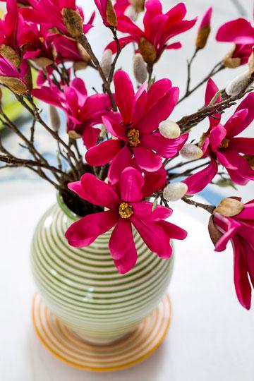 פרחי משי באגרטל מפוספס (צילום: שירן כרמל)