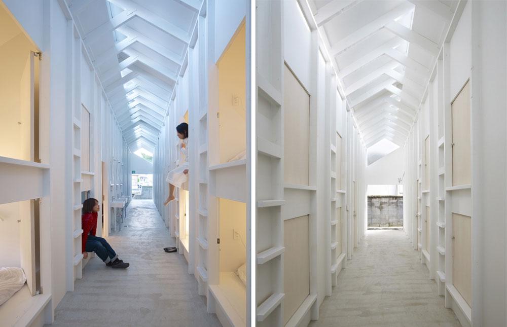משני צדי המסדרון תאי שינה בשתי קומות. בכל תא יש מזרן בודד וכולו לבן - קירות כמצעים. בתמונה השמאלית ניתן לראות את תאי השירותים והכיורים המשותפים (צילום: Toshiyuki Yano)