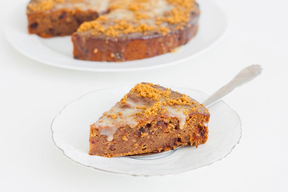 עוגת תמרים בחושה (צילום: אולגה טוכשר)