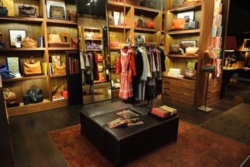 החנות של קרולינה הררה (צילום: בן קלמר)