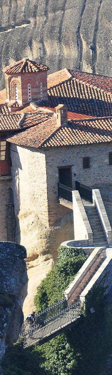 אם להצטרף למנזר, אז רק לשם. מנזר במצוקי מטאורה (צילום: מורן זלמה)