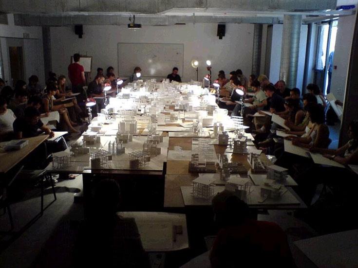 במחלקת לאדריכלות בבצלאל. לימודים מפרכים, אך מי שחולם להיות אדריכל לא יוותר על החלום (באדיבות בצלאל)